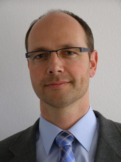 Dr. Andreas Ban