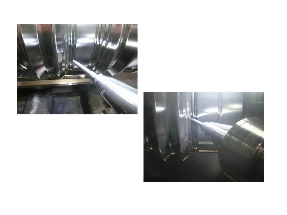 Maschinelles Oberflächenhämmern von Warmprofilwalzen