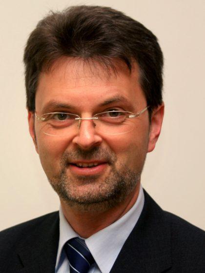 Dr. Bernd Kleimt
